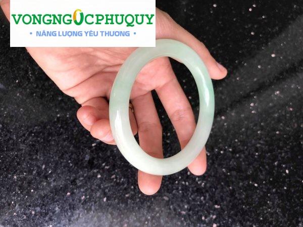 vòng cẩm thạch trắng